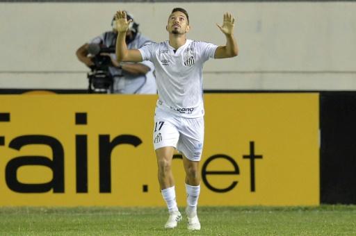 Santos vence 2-1 a Delfín, comanda el Grupo G y sueña con octavos de Libertadores
