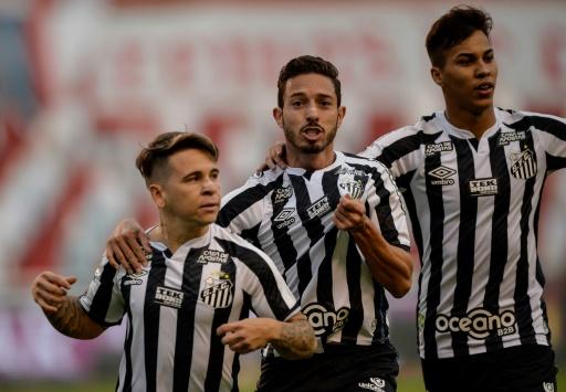 Santos gana 2-1 y toma ventaja sobre Liga de Quito en  octavos de Libertadores