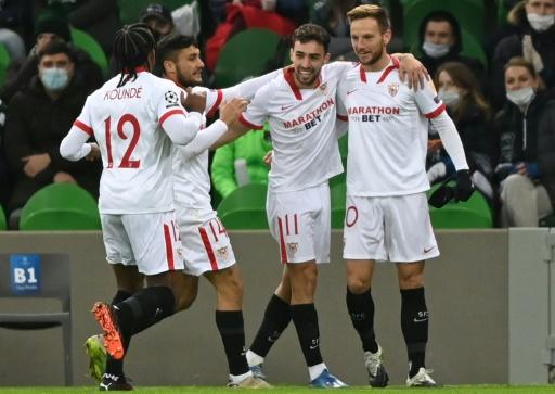 Sevilla a octavos de 'Champions' tras vencer 2-1 en Krasnodar