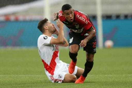 River Plate rescata un empate ante el diezmado Paranaense en Libertadores