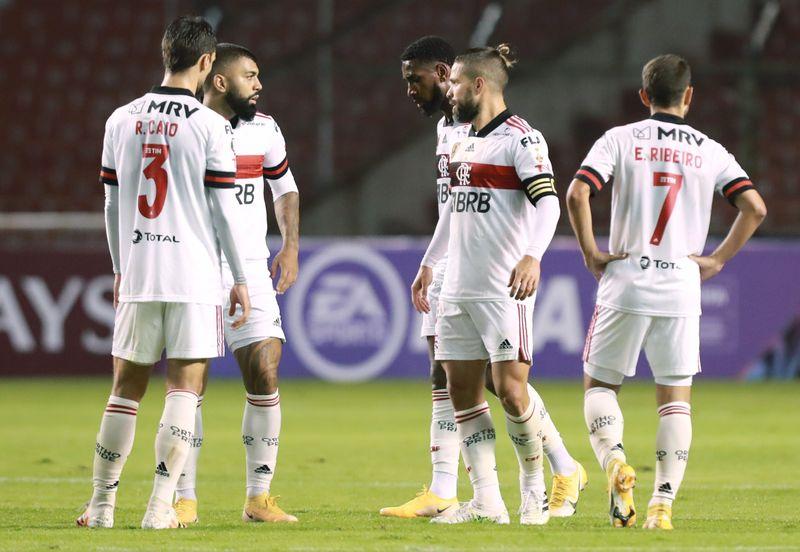 Flamengo pide retrasar su partido por liga brasileña por contagio de 16 futbolistas con coronavirus