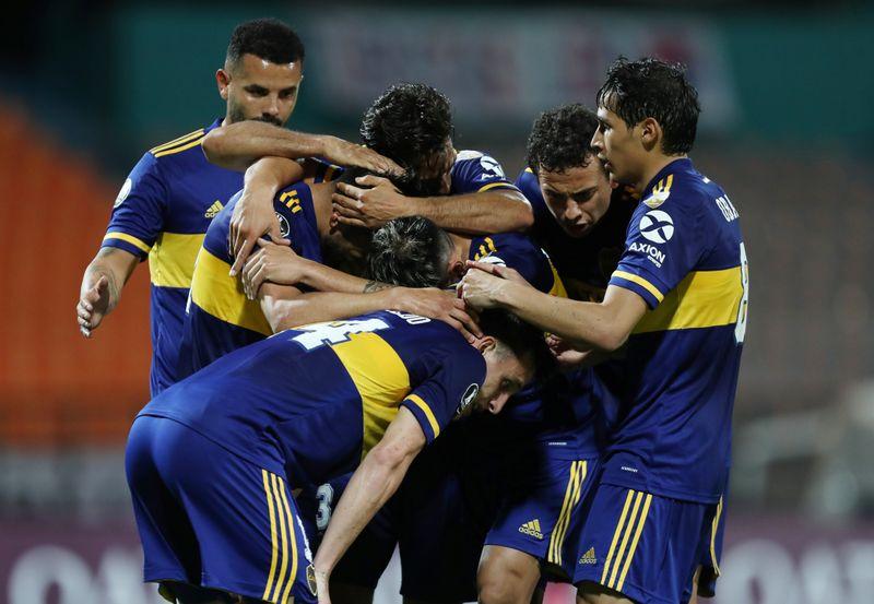 Boca Juniors vence a DIM y lidera con comodidad su grupo; ganan Santos y Wilstermann