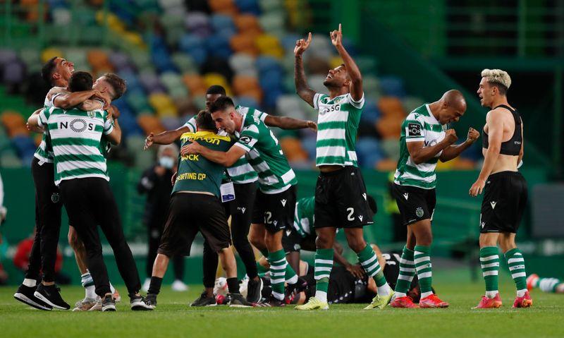 Sporting de Lisboa gana la liga portuguesa por primera vez en 19 años