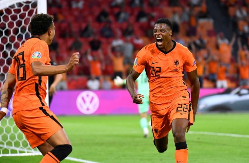 Países Bajos derrota a Austria y asegura el primer puesto del Grupo C en Eurocopa