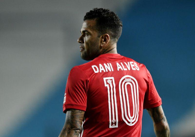 Dani Alves es convocado por Brasil para disputar Juegos Olímpicos de Tokio