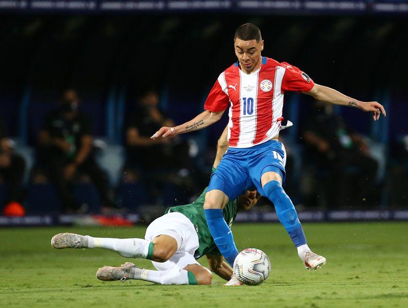 Miguel Almirón vuelve a ser convocado en Paraguay para triple fecha de eliminatoria