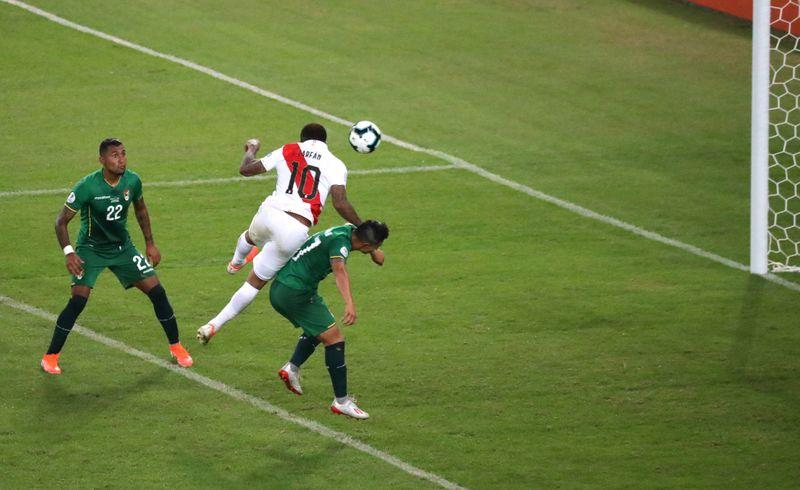 Perú incluye a Jefferson Farfán en lista para triple fecha de la eliminatoria en octubre