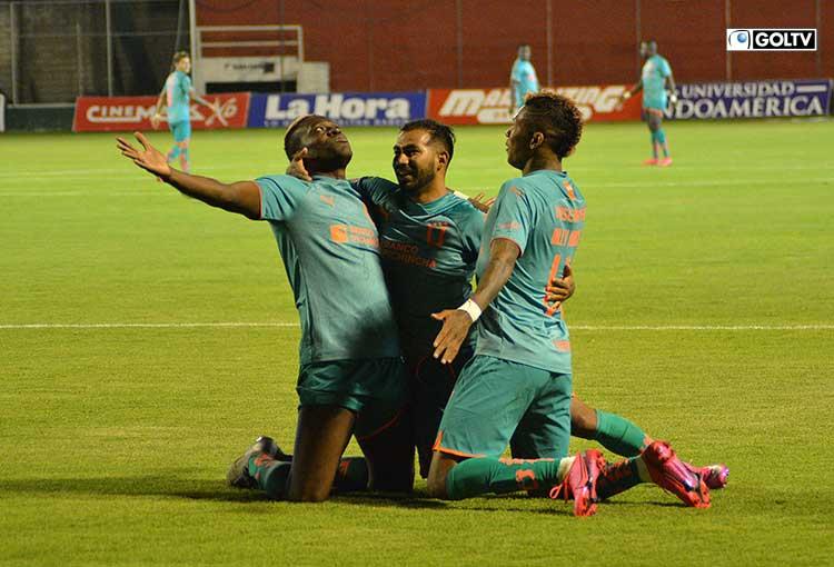 Liga de Quito goleó a Técnico en Ambato y está a poco de ganar la etapa