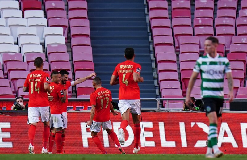 Benfica derrotó 4 a 3 al campeón Sporting CP