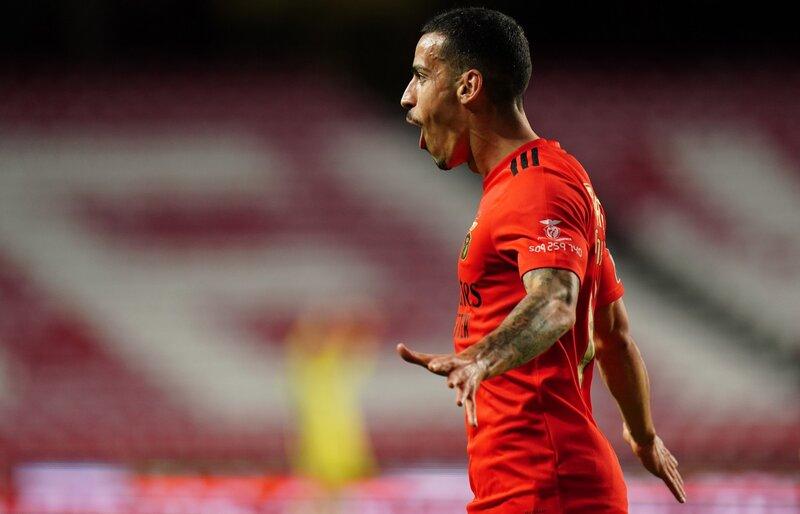 Con doblete de Haris Seferovic, Benfica derrotó a Vitória Guimarães