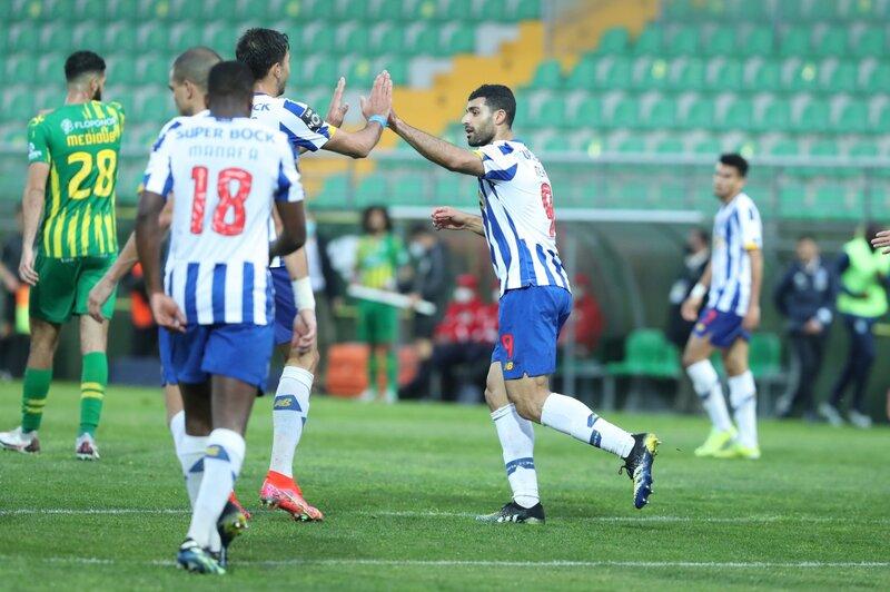 Porto fue superior y venció por dos a Tondela