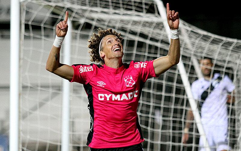 Wanderers le ganó con claridad a Danubio por 2 a 0