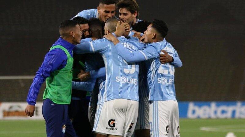 Sporting Cristal venció a Ayacucho FC por 2 a 1